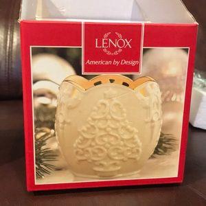 Lenox Accents - NWT Lenox Merry Lights Tree Votive 3.5in